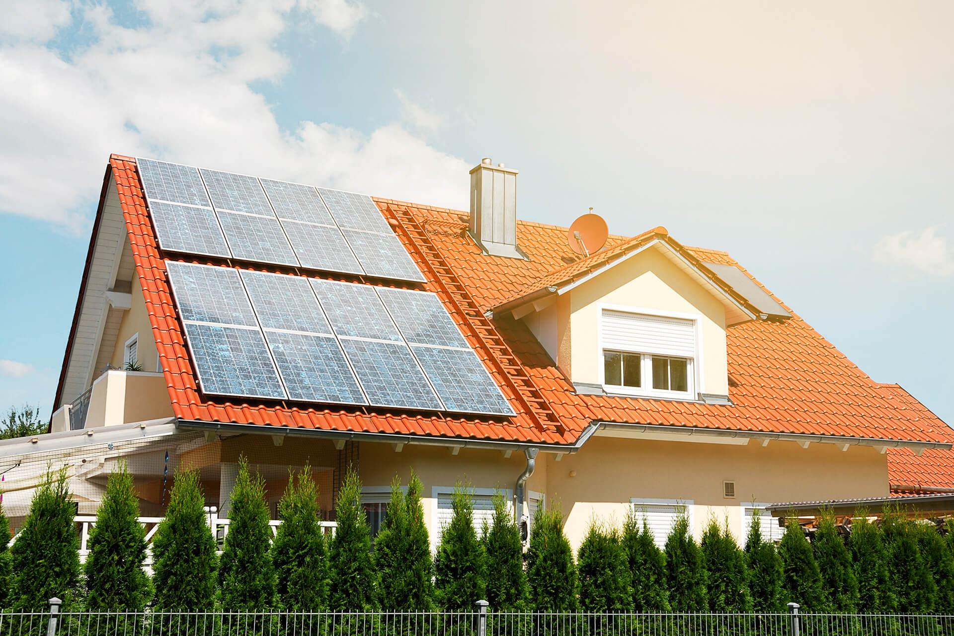 Практика использования моно и поликристаллических фотомодулей в солнечных батареях школа для электрика все об электротехнике и электронике