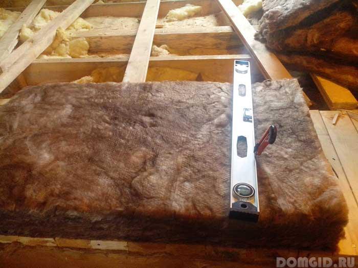 Как разрезать базальтовый утеплитель вдоль. утепление базальтовой ватой: пошаговая инструкция. чем резать будем