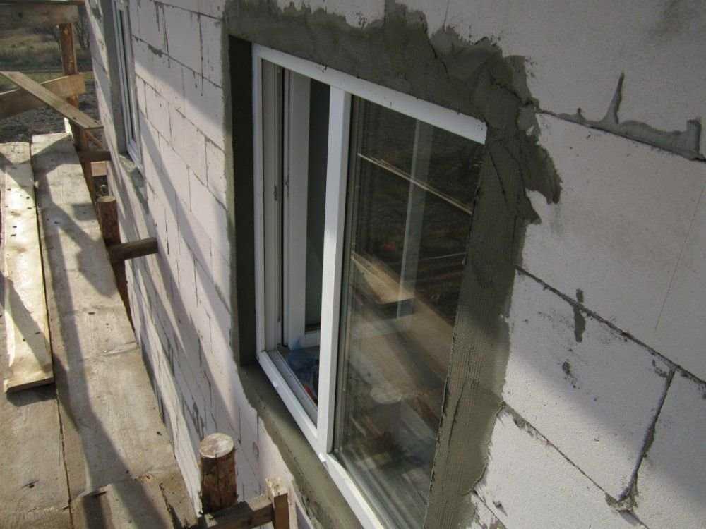 Утепляем окна в доме из дерева: способы и материалы