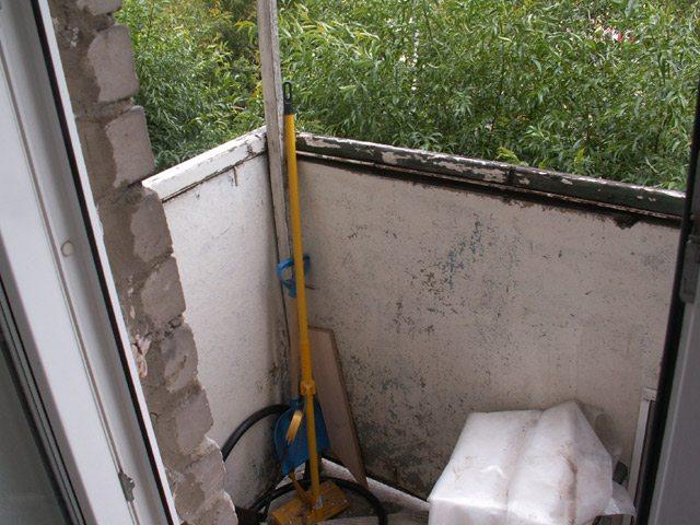 Балкон в хрущевке своими руками