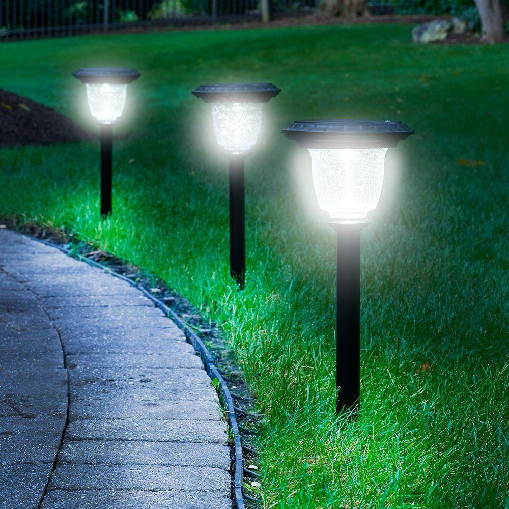Садовые фонари на солнечных батареях