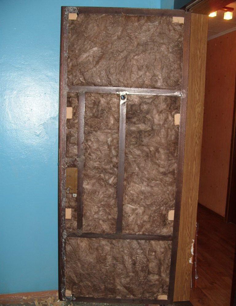 Насколько просто утеплить двери своими руками?