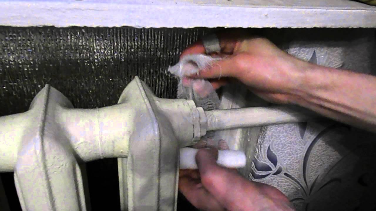 Первые срочные меры: течет батарея отопления – что делать с прохудившимися трубами?