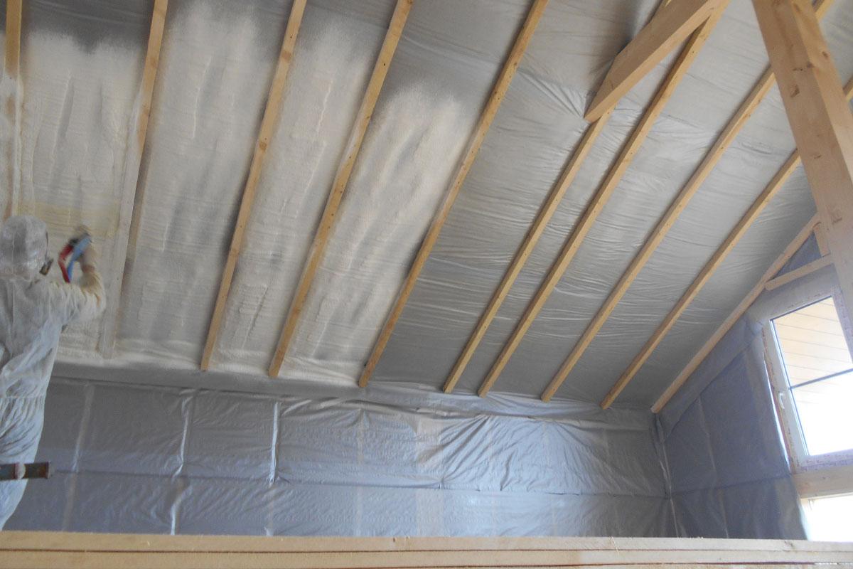 Как высушить промокший утеплитель на стенах и крыше