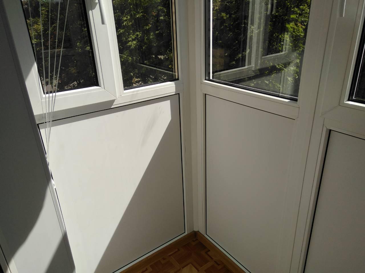 Как вставлять окна в сэндвич панели: монтаж окон в термопрофиль
