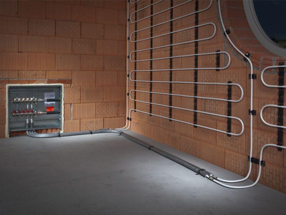 Отопление в стенах: преимущества и недостатки, способы установки