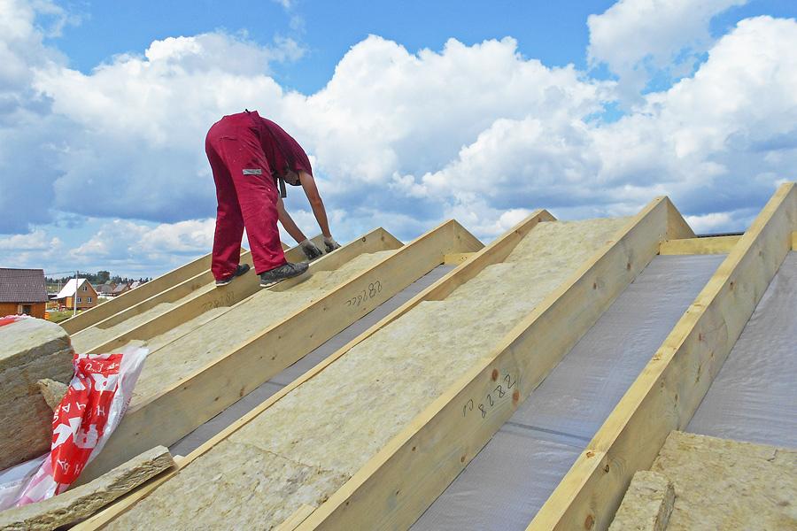 Какой утеплитель лучше для мансардной крыши частного дома: инструкция по выбору, видео и фото