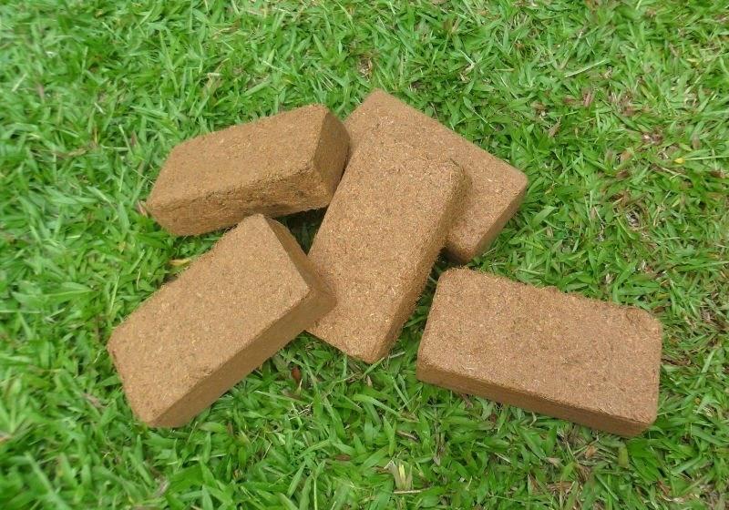 Сравниваем угольные, древесные, торфяные брикеты, а также прессованные опилки: 3 мнения специалистов
