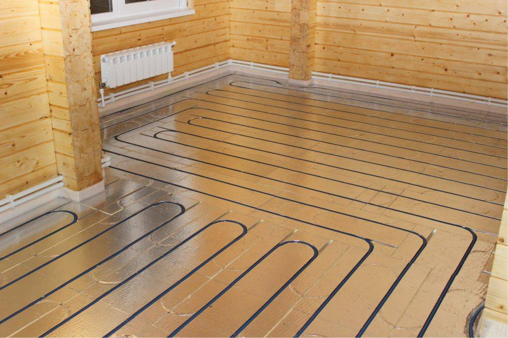 Разновидности и технология укладки теплого пола в деревянном доме