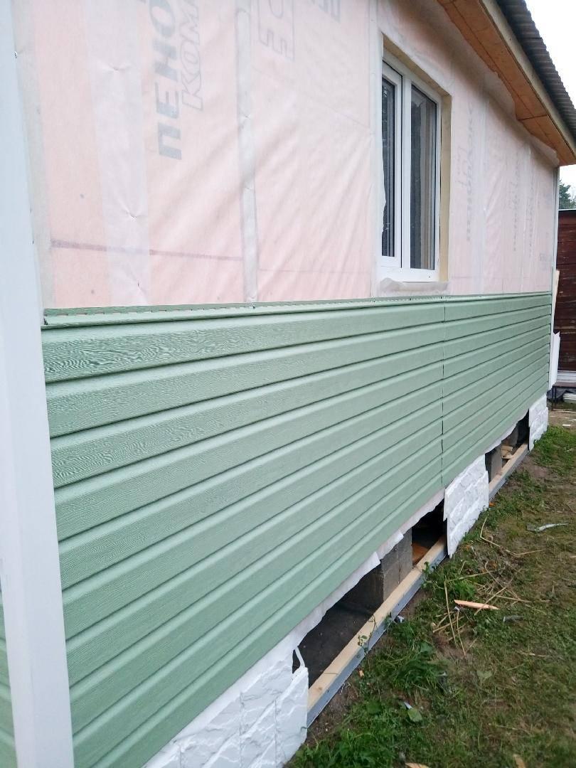 Все о отделке и обшивке сайдингом деревянного дома своими руками + фото монтажа