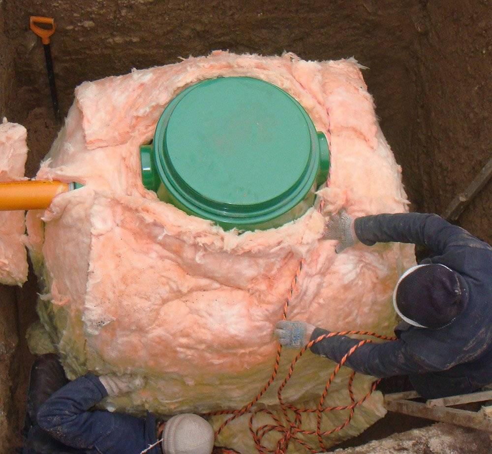 Как утеплить скважину на зиму: подготовка к холодам уличного водопровода, кранов, насосной станции своими руками на даче