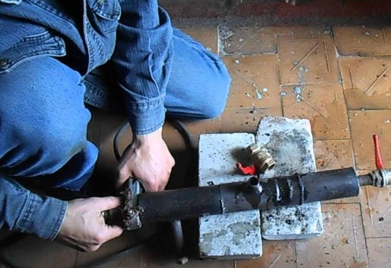 Врезка в трубу водопровода под давлением - правила и порядок работ
