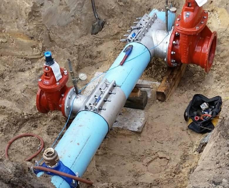 Врезка в трубу водопровода: пластиковая, чугунная, под давлением