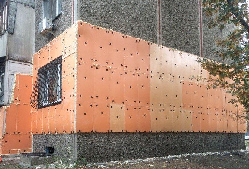 Утепление фасада пенополистиролом – преимущества материала и описание монтажа