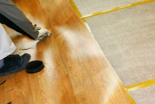 Теплый пол под линолеум на деревянный пол – особенности выбора, монтажа и подключения к сети