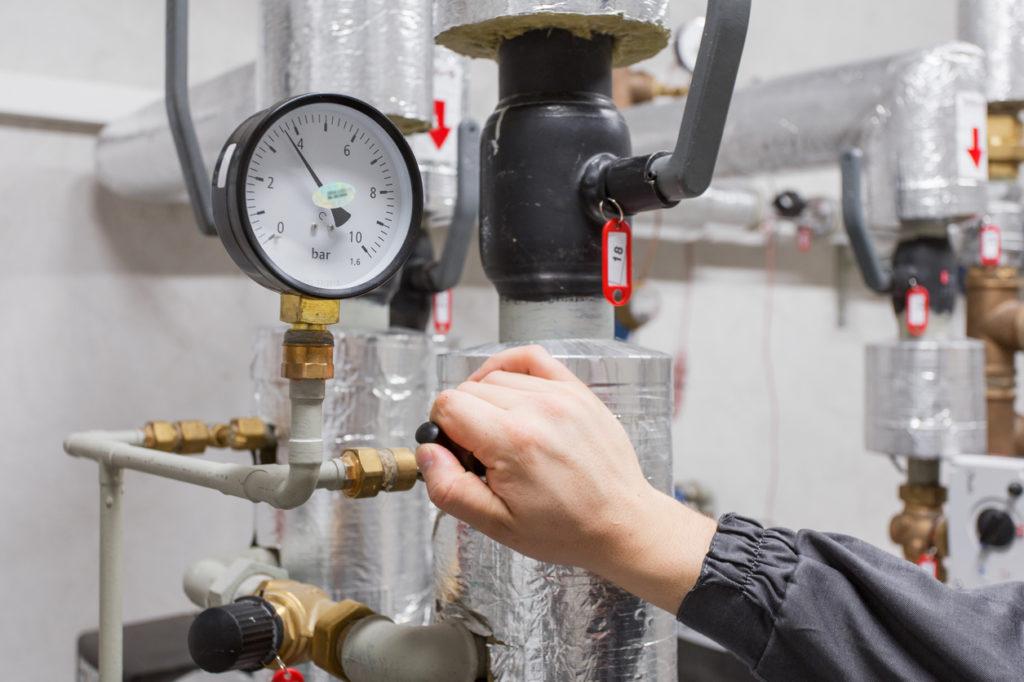 Давление в системе отопления в частном доме - нормы и отклонения
