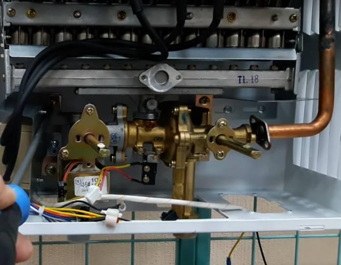 Ремонт газовой колонки своими руками: стоит ли браться и как починить качественно (70 фото)