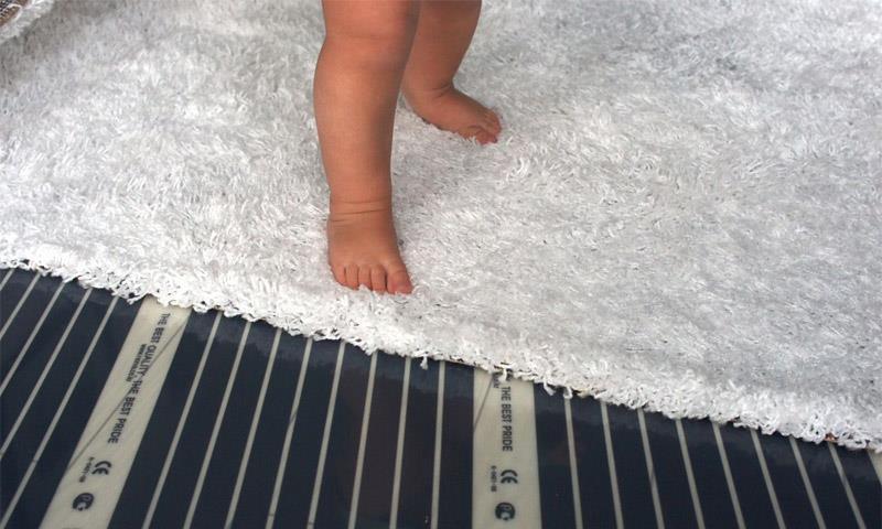 Как надежно уложить теплый пол под ковролин