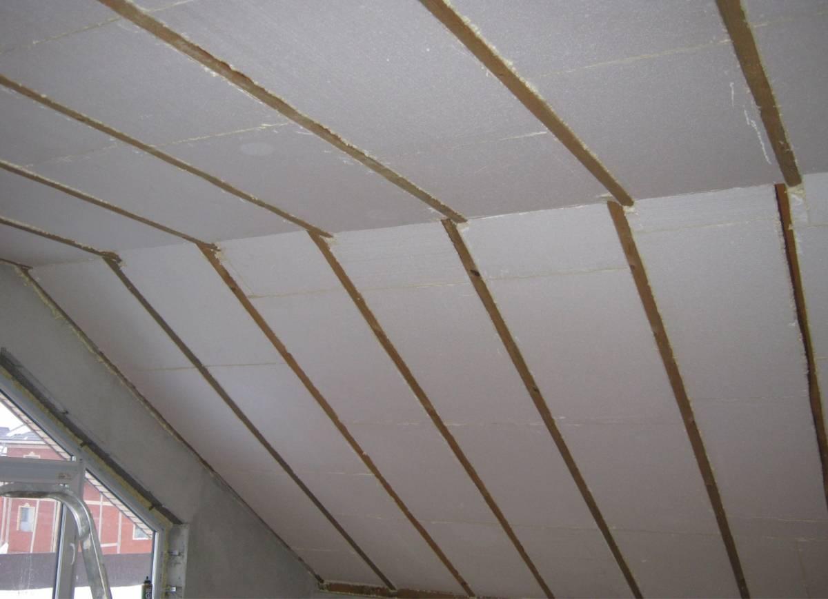 Утепляем потолок в деревянном доме правильно — мнение эксперта
