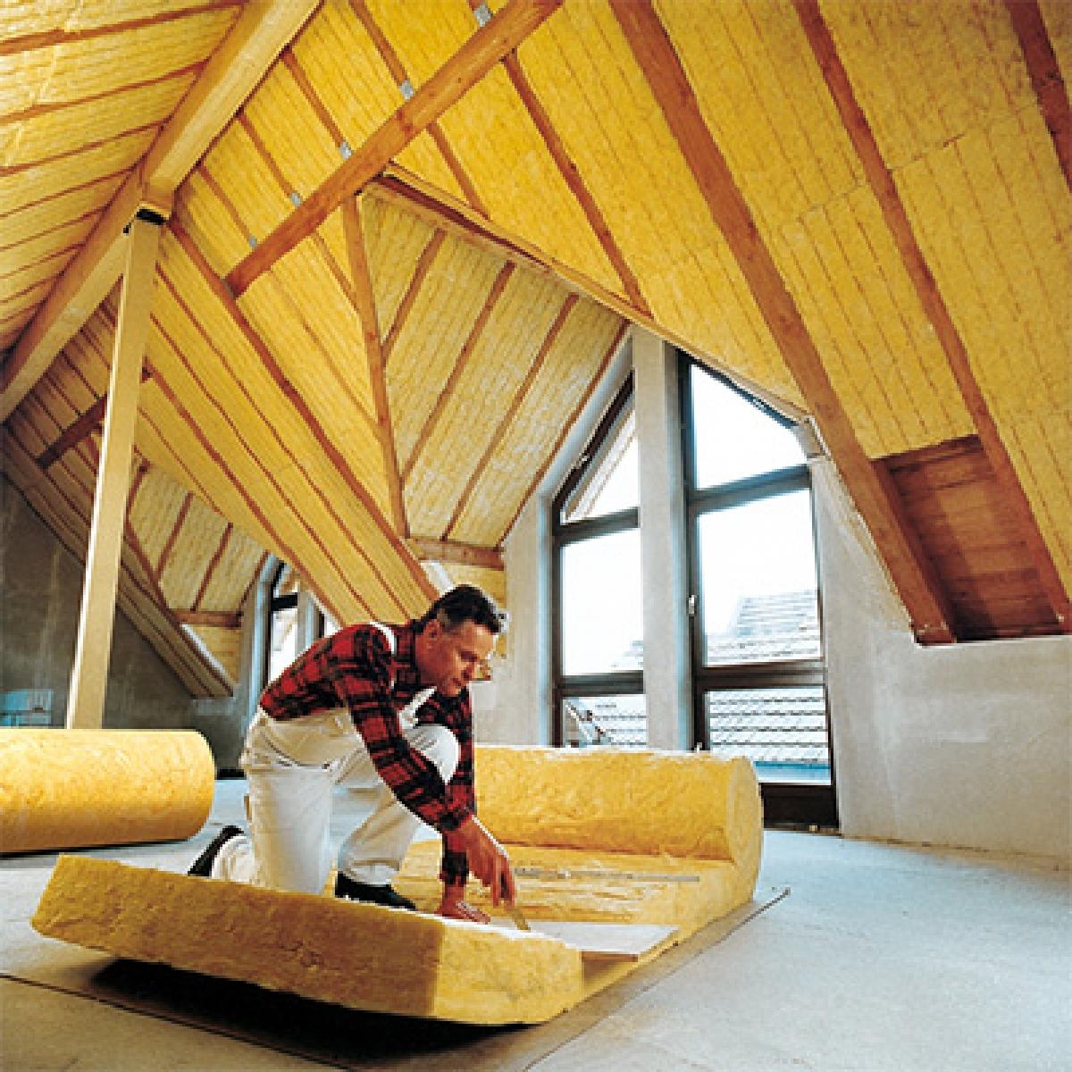 Какой утеплитель лучше рулонный или плитный. какой вид теплоизоляции лучше, безопаснее и экономичнее - рулонная или плитами?