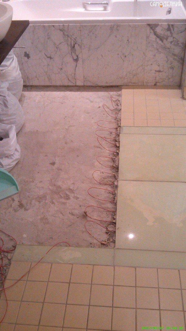 Как недорого обновить старую кафельную плитку в ванной