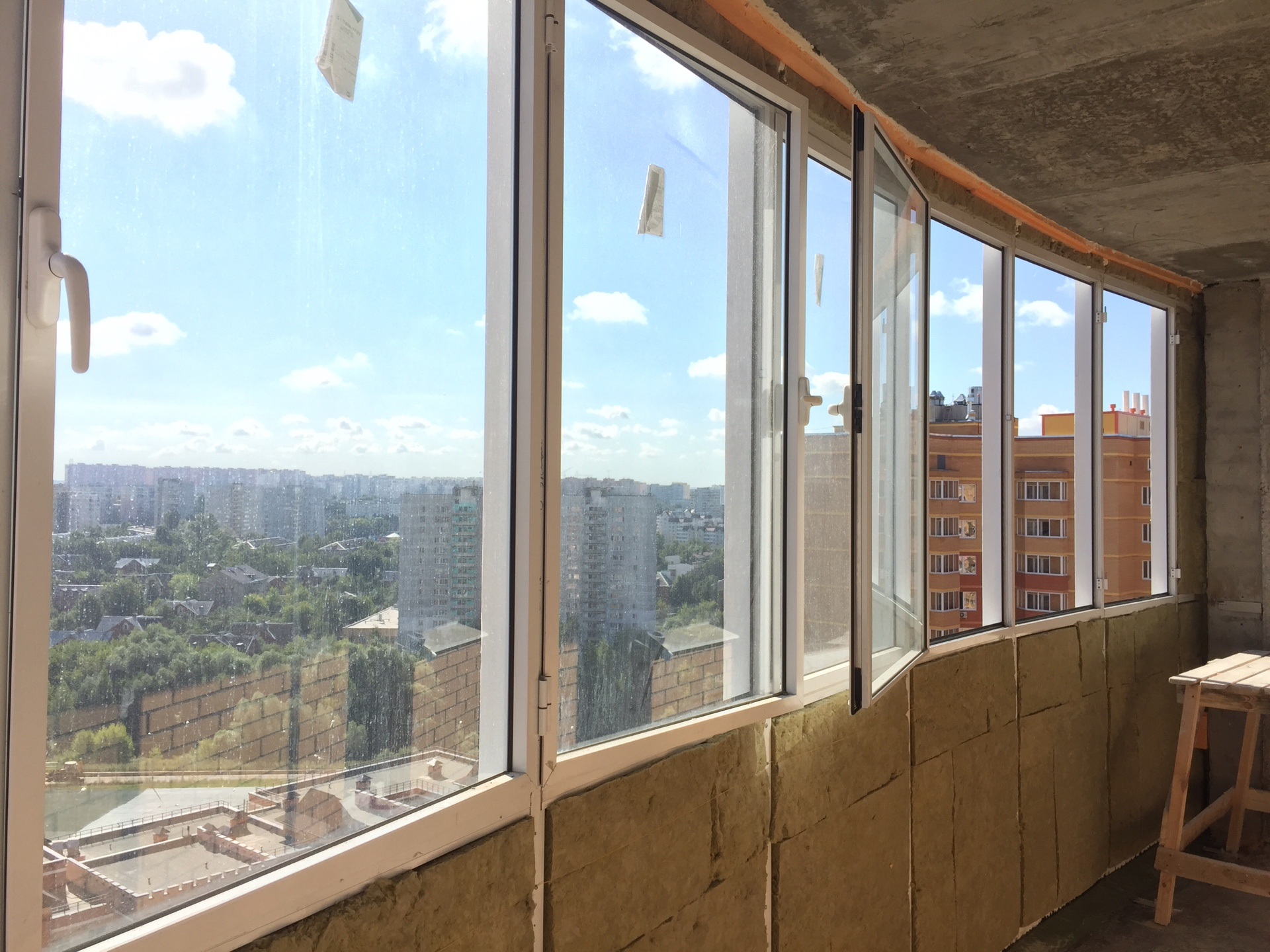 Стоит ли утеплять балкон: плюсы и минусы   плюсы и минусы