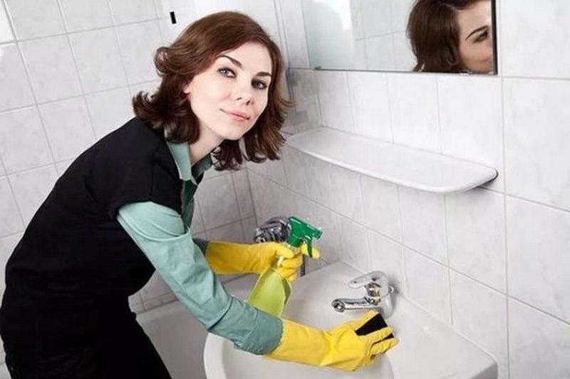 Уборка ванной: особенности разных материалов и порядок действий при наведении чистоты