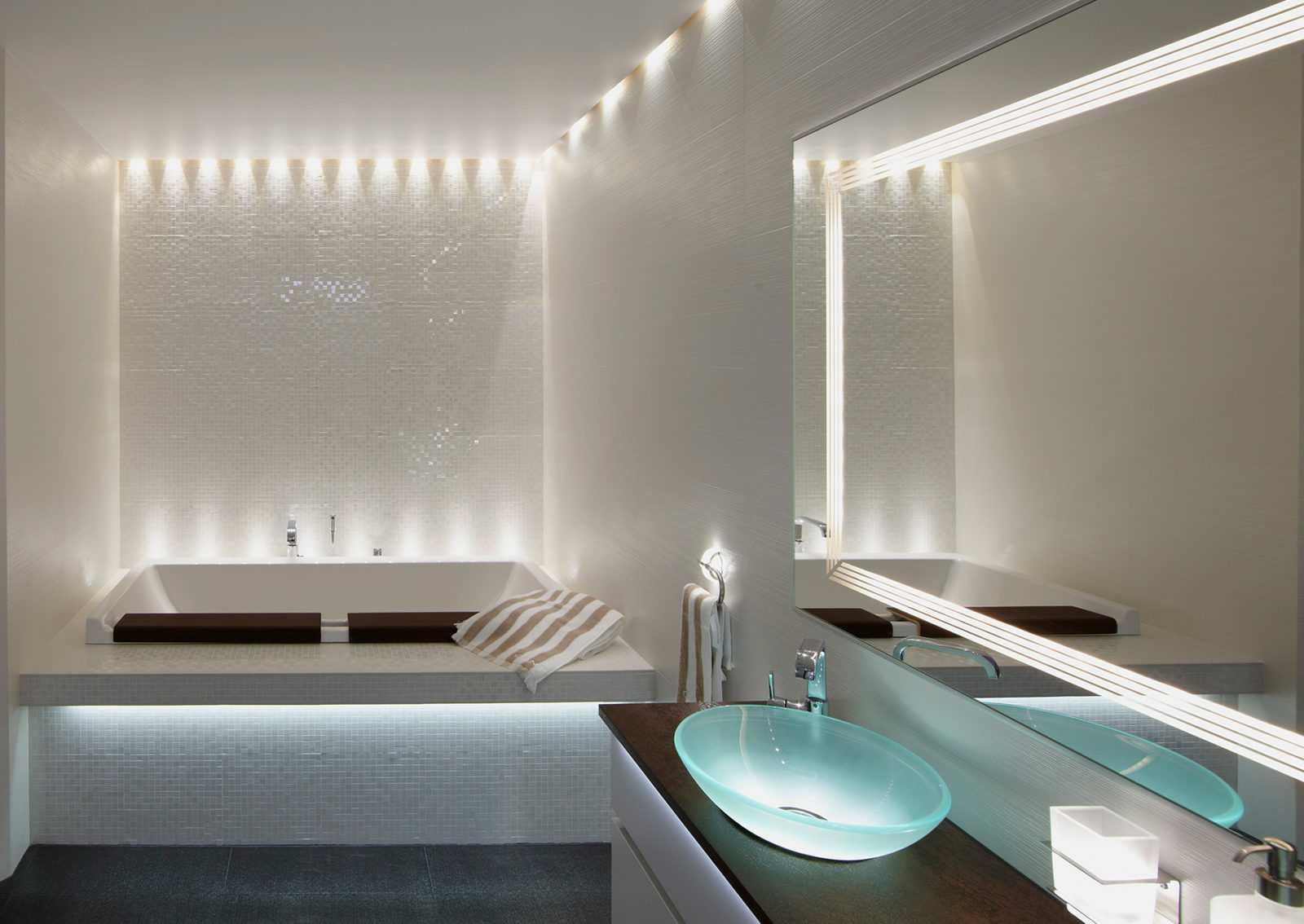 Как организовать освещение в ванной комнате: видео