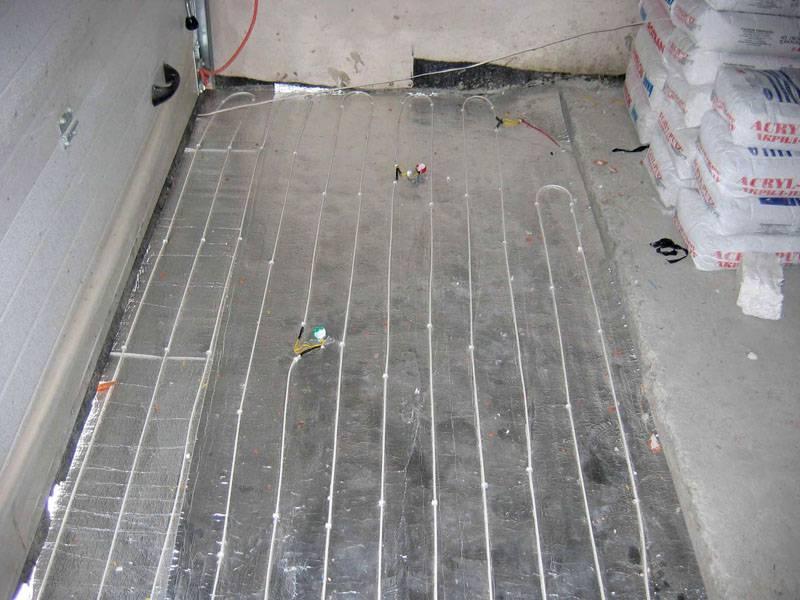 Тёплый пол в гараже: особенности водяного и электрического подогрева, как сделать своими руками, этапы работ