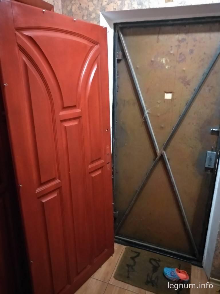 Как утеплить входную металлическую дверь — разбираем во всех подробностях