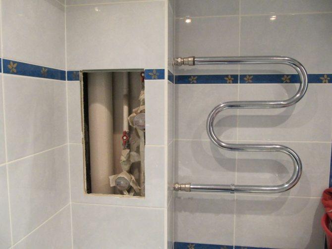 Прячем канализационную трубу в ванной и других помещениях