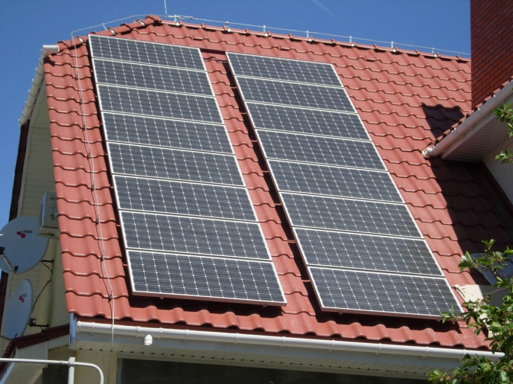 Как выбрать солнечные батареи для частных домов