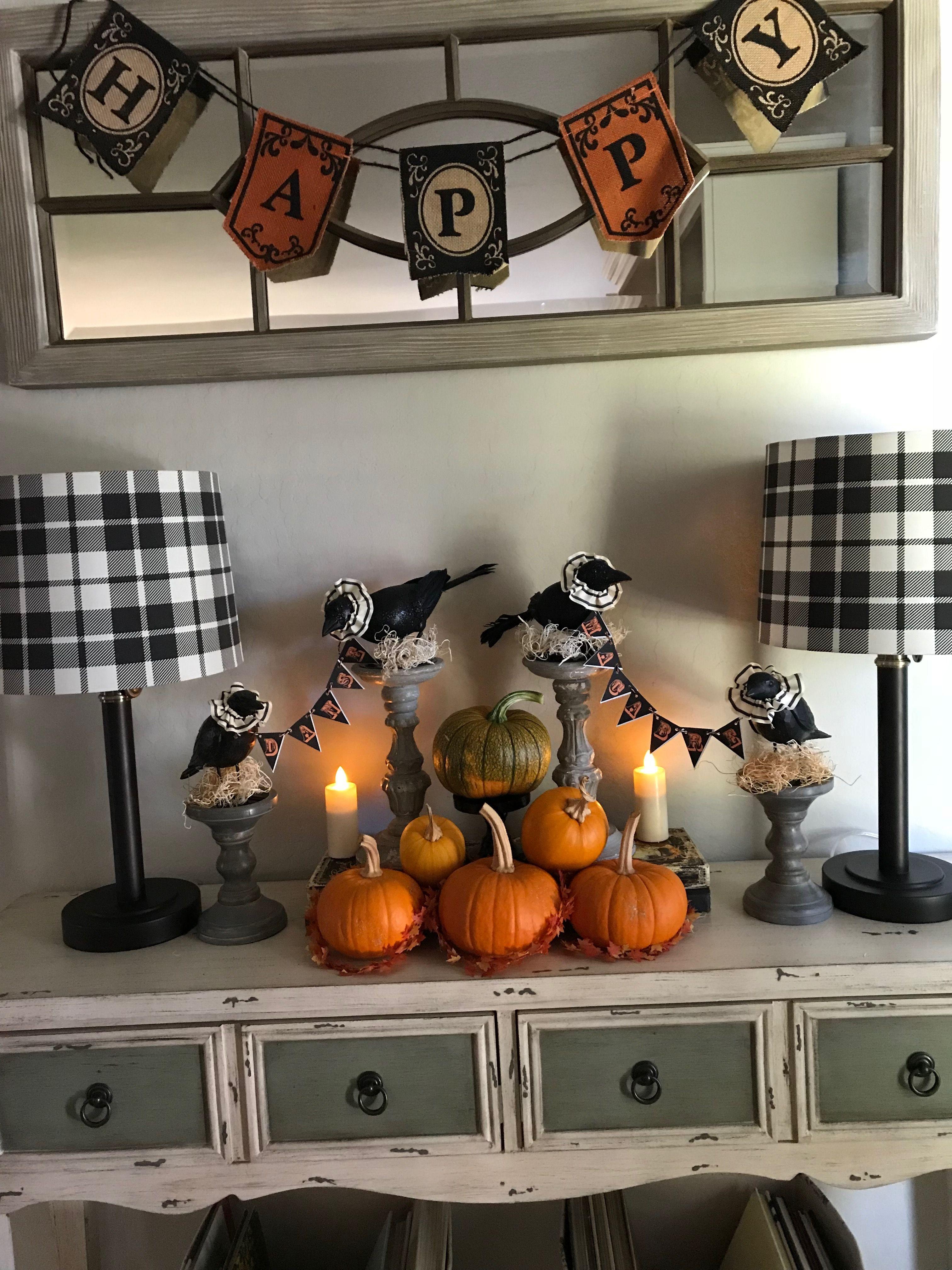 Как украсить дом, комнату, квартиру на хэллоуин своими руками: идеи и фото праздничного декора