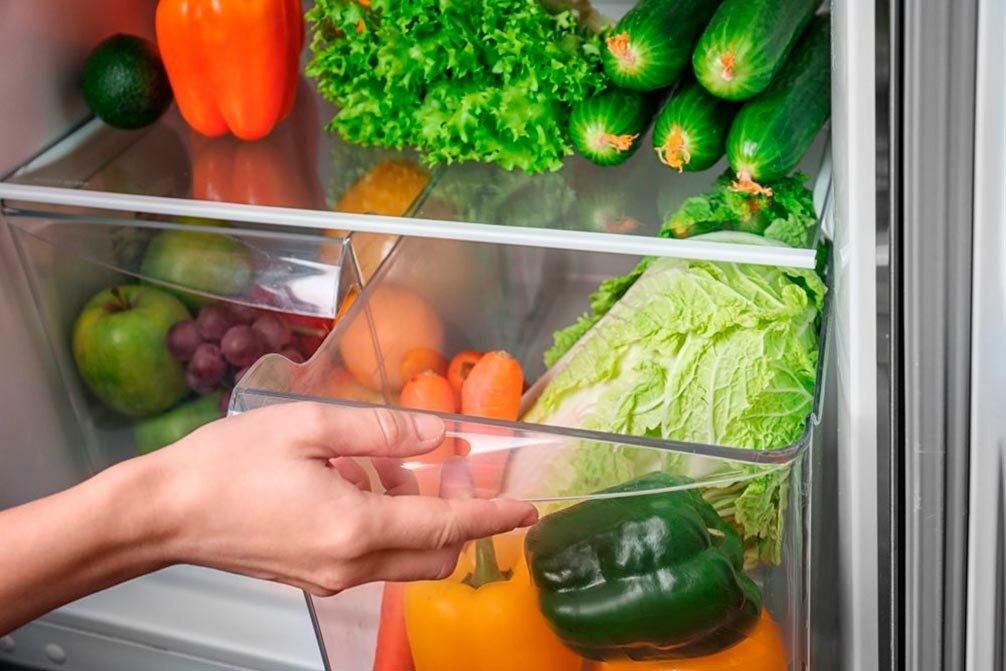 Правильное хранение продуктов в холодильнике дома