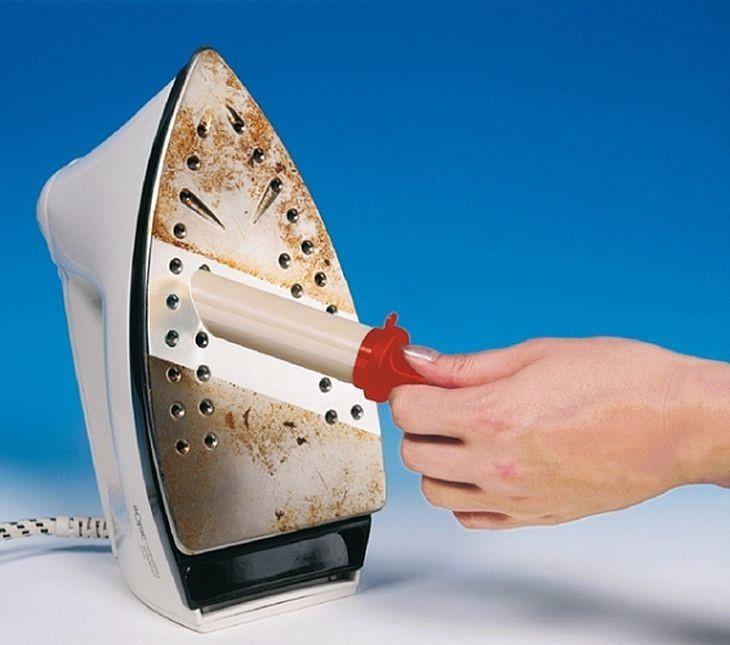 Как очистить керамическую подошву утюга: чем убрать пригар
