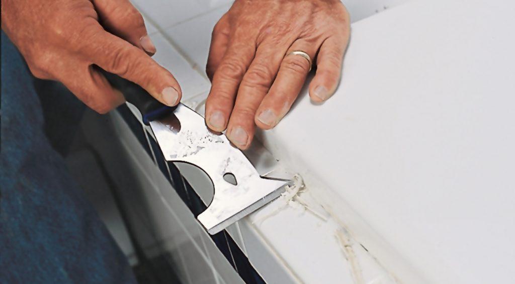 Чем удалить силиконовый герметик с кафеля, ванны и других поверхностей?