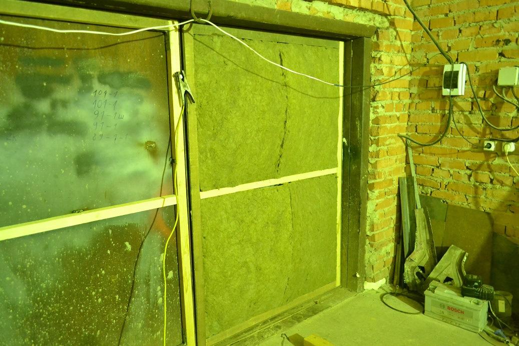Разбираемся в утеплении ворот и дверей гаража