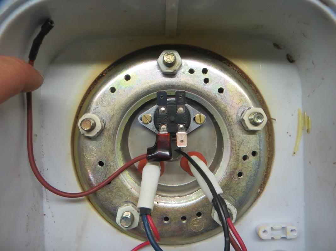 Пошаговая инструкция: как снять крышку с водонагревателя