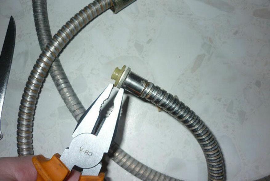 Как починить шланг от душа своими руками или заменить на новый, ремонт лейки