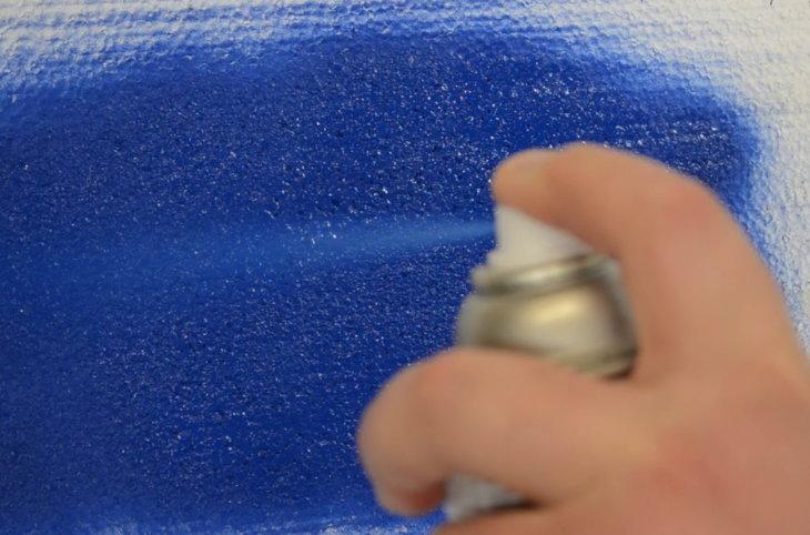 Умные советы — как покрасить потолочную плитку из пенопласта