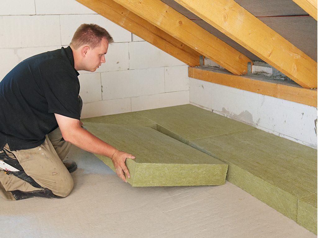 Чем лучше утеплить крышу: полезные советы выбора утеплителя
