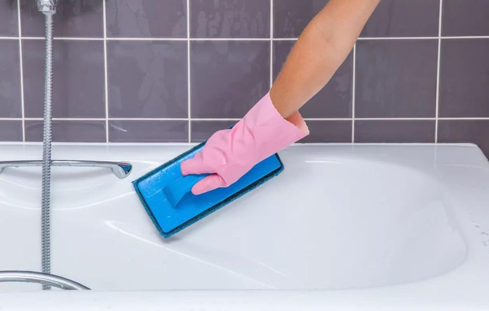 Как отбелить ванну в домашних условиях, отчистить ржавчину и удалить известковый налет?