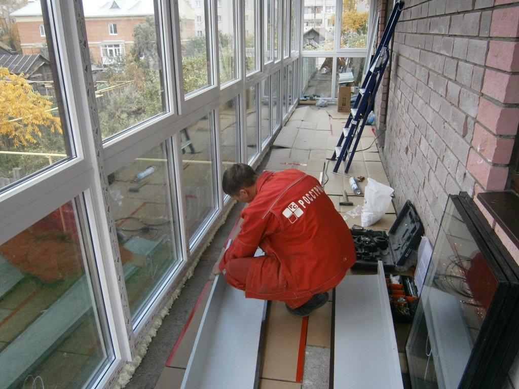 Стоит ли устанавливать холодное остекление на балконе?