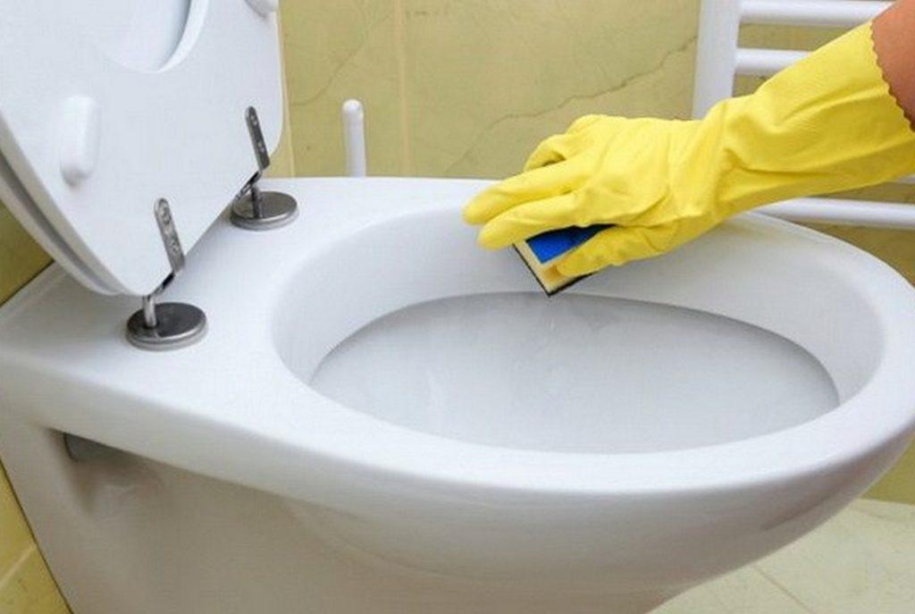 Чем отмыть ржавчину в унитазе: народные и специализированные средства