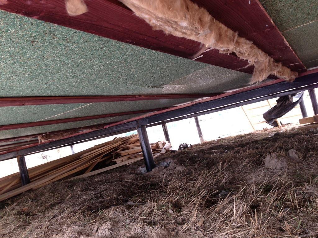 Утепление пола в деревянном доме снизу: применение пеноплекса и пенофола