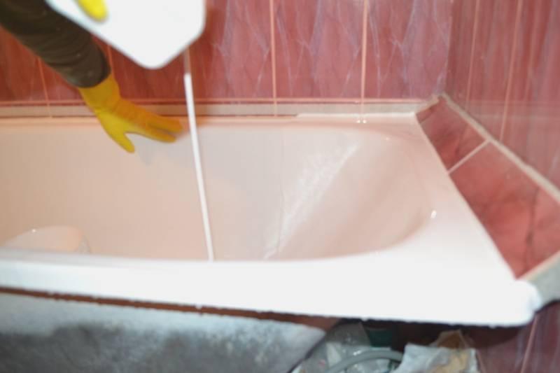 Реставрация чугунной ванны своими руками: выбор материала для покрытия и принцип нанесения