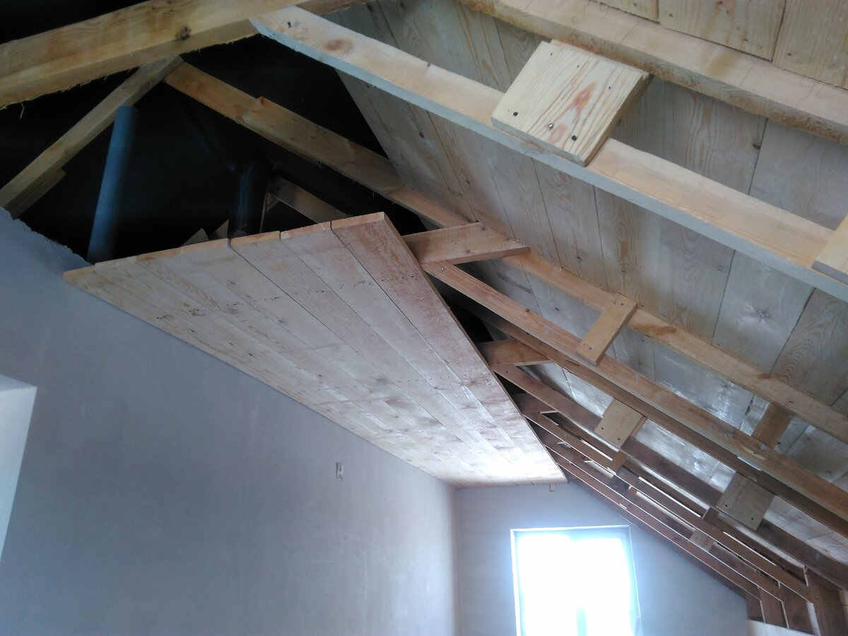 Утепление потолка опилками — самый доступный способ теплоизоляции