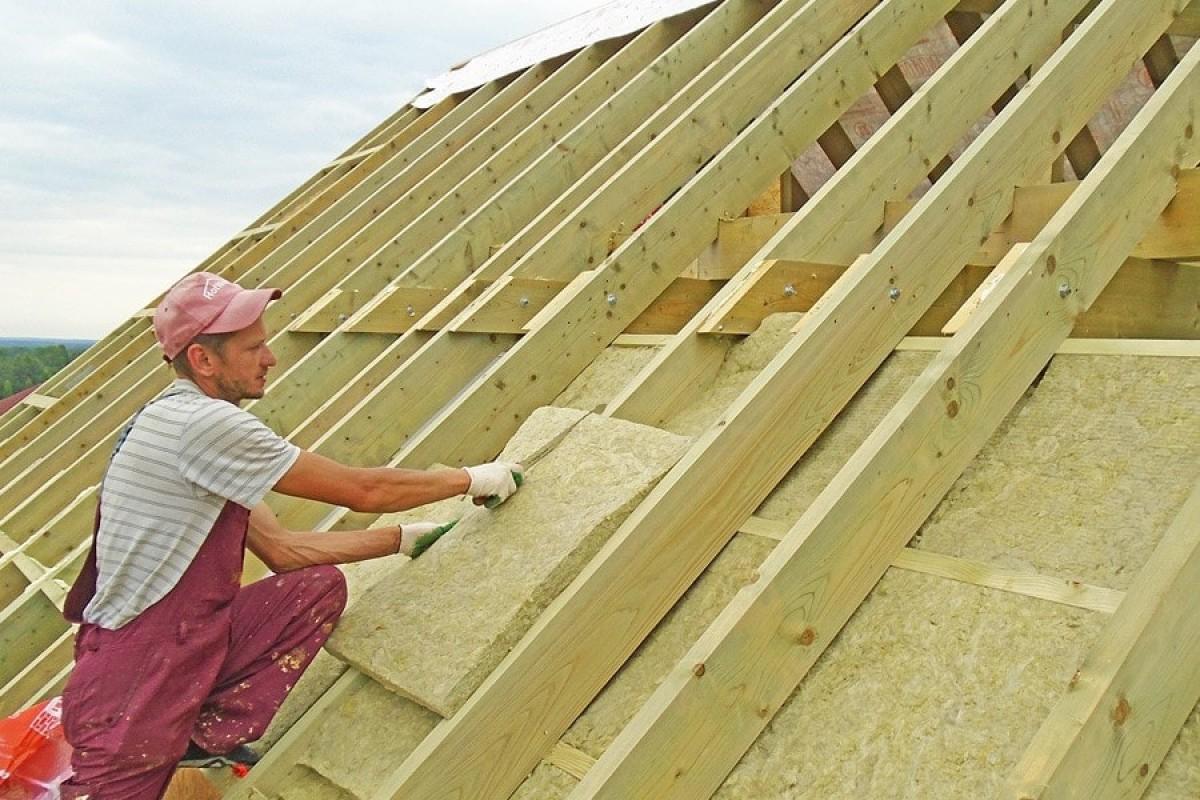 Утепление крыши - 110 фото как правильно использовать внутреннее и внешнее утепление крыши