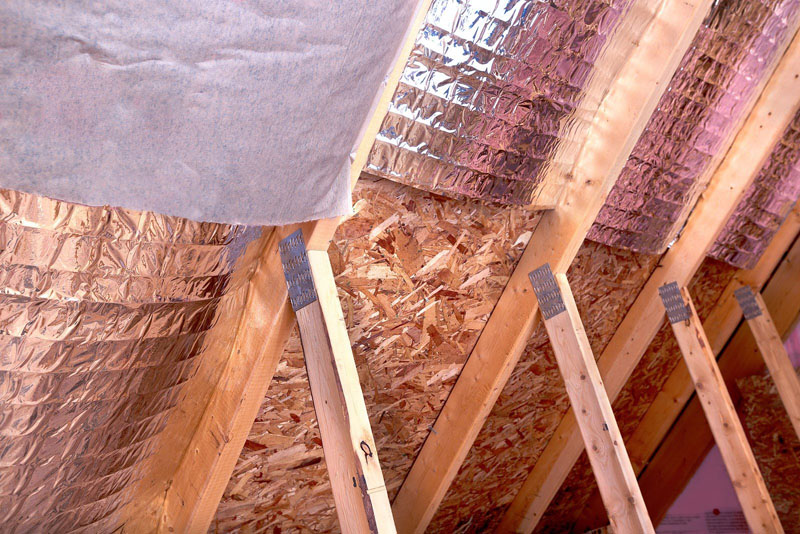 Теплоизоляция для крыши своими руками: уменьшаем теплопотери и спасаемся от жары