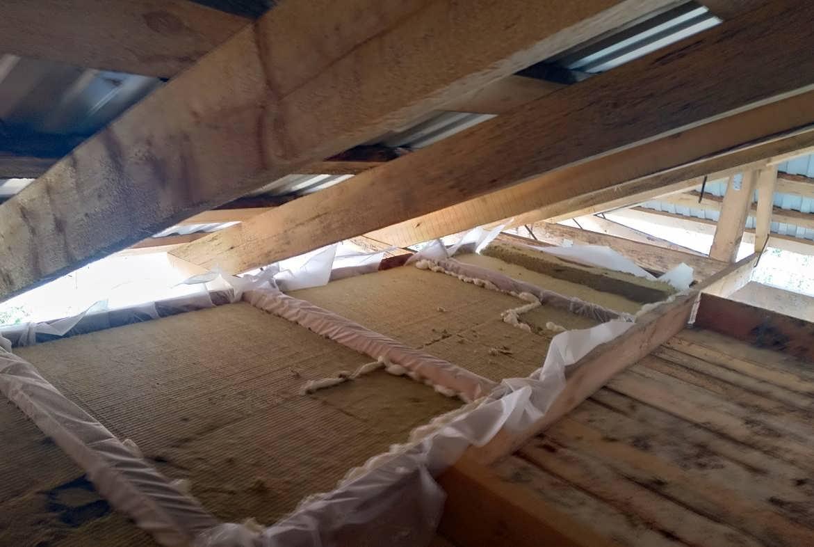 Утепление потолка в доме с холодной крышей утепление потолка в доме с холодной крышей